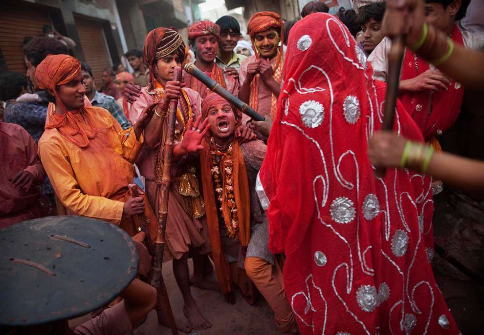 Holi Celebrations in India - Photographs of Lathmar Holi2