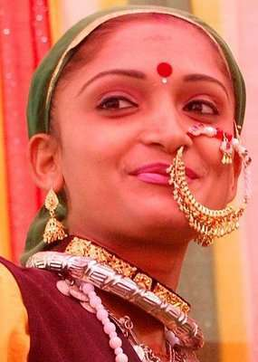 Indian Nose Rings - Adorning Nose with beautiful Jewels and Rings13